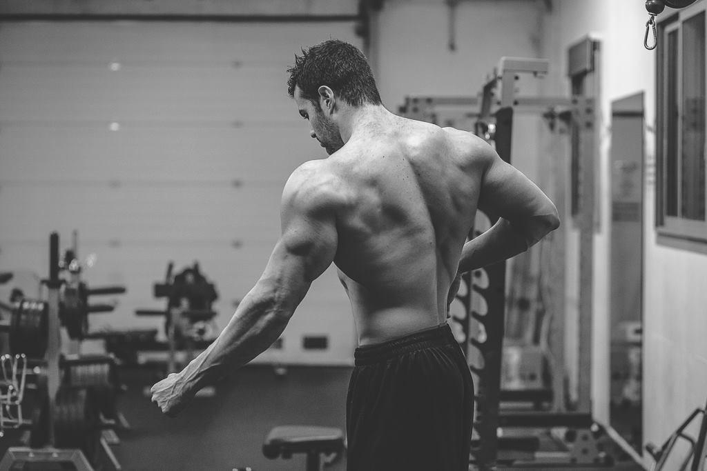 Rattraper un point faible en musculation